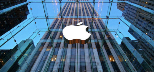 Apple Sets Record as World's First Public Company Worth $1 Trillion